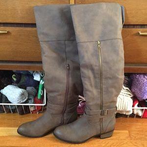 NWT 👢 Knee High Brown Boot